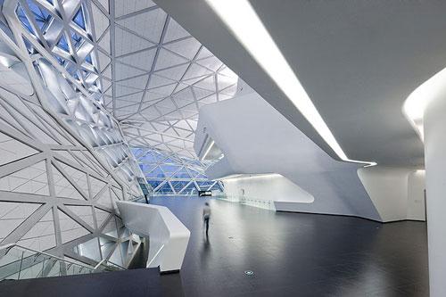 Guangzhou-Opera-design-madness