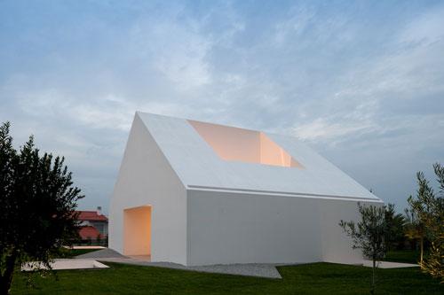 Katoikia-Leira-design-madness