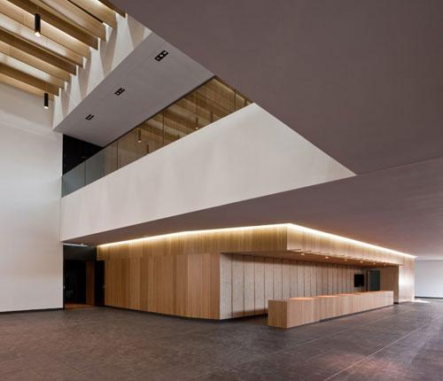 Almonte-Teatro-design-madness